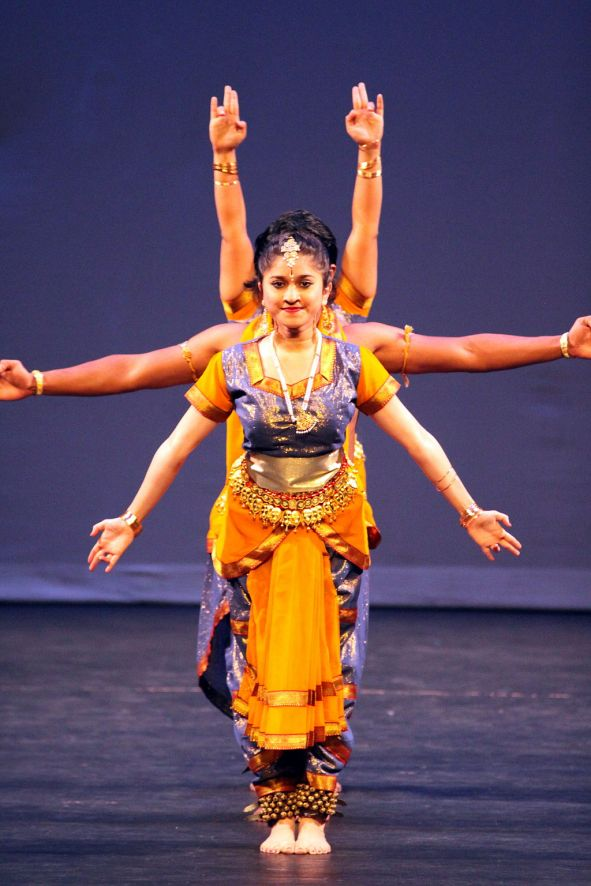 Indian-dance-multiple-arms